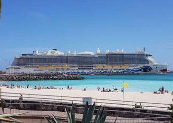 Cruise Ship AIDAnova : Picture...