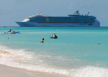 Cruise Ship Freedom Of The Seas Picture Data Facilities And - Cruise ship schedule for grand cayman