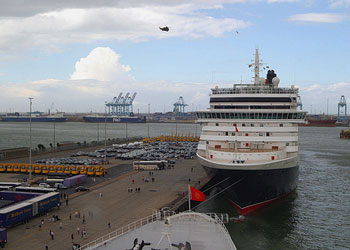 Queen Mary 2 at busy Zeebrugge port